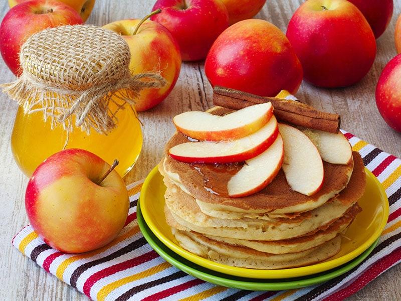 Skillet Apple Pancakes